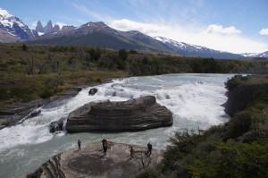 Patagonien_Karawane-300x199 Am Fuß des höchsten Vulkans der Welt