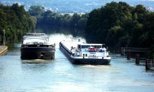 Main_Donau_Kanal_TheMonarchHotel_Pixabay