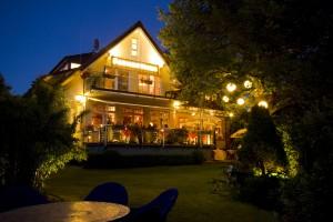 Front_Garten_Farmerhaus