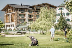 Golf_c_Alpenresort_Schwarz-300x200 Die neue Webseite golfen.reisen bietet exklusive Luxus-Golfreisen
