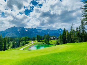 Golfplatz_c_unsplash-300x225 Die neue Webseite golfen.reisen bietet exklusive Luxus-Golfreisen